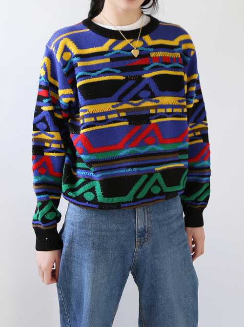 COLOR TWISTED SWEATER