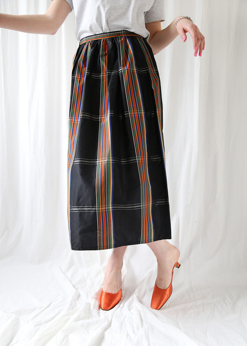 STRIPED VINYL LONG SKIRT