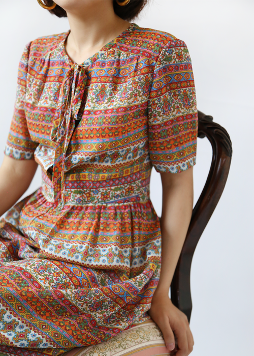 CHIFFON PRINT RIBBON DRESS