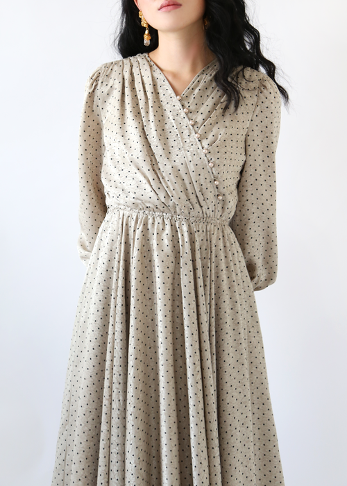 BEIGE DOTS SHIRRING DRESS