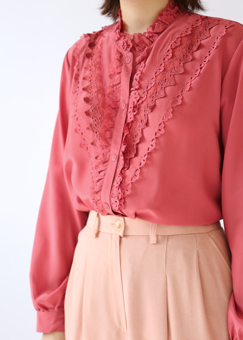 PINK LACE PUNCHING BLOUSE