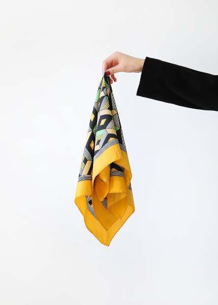 YELLOW GEOMETRIC SCARF
