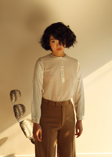 CREAM LACE BLOUSE