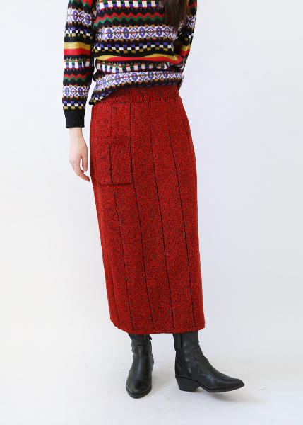 RED THICK KNIT SKIRT