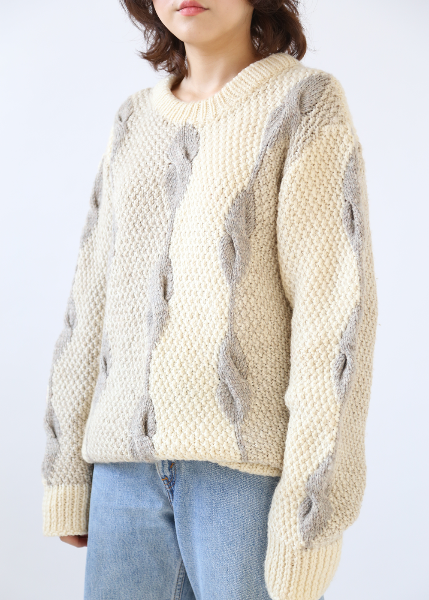 IVORY TWISTED KNIT SWEATER