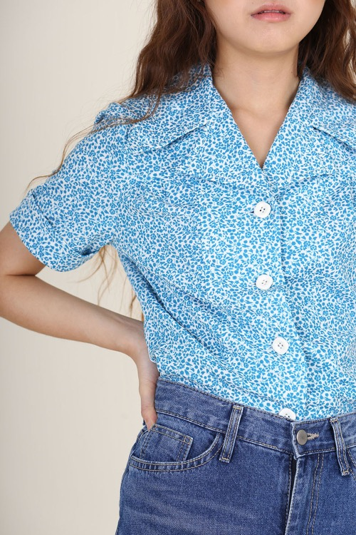 70'S BLUE BUTTONS TOP