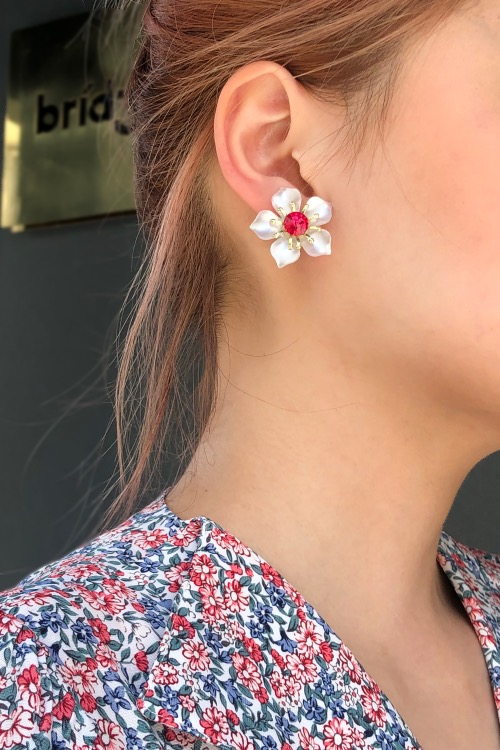 PETITE PINK FLOWER EARRINGS