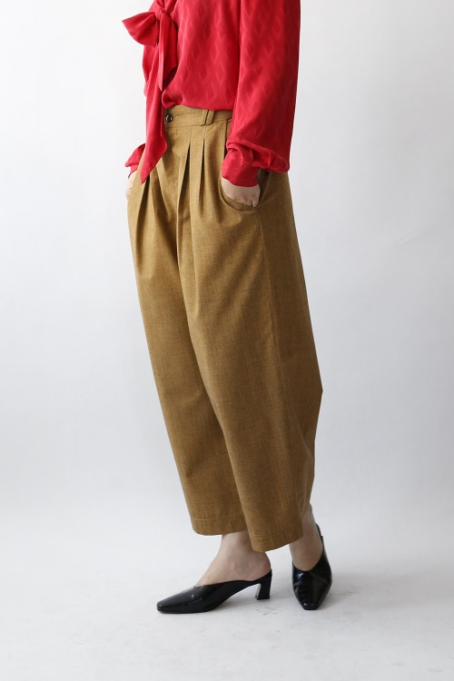 HAZELUNT CROPPED TROUSERS