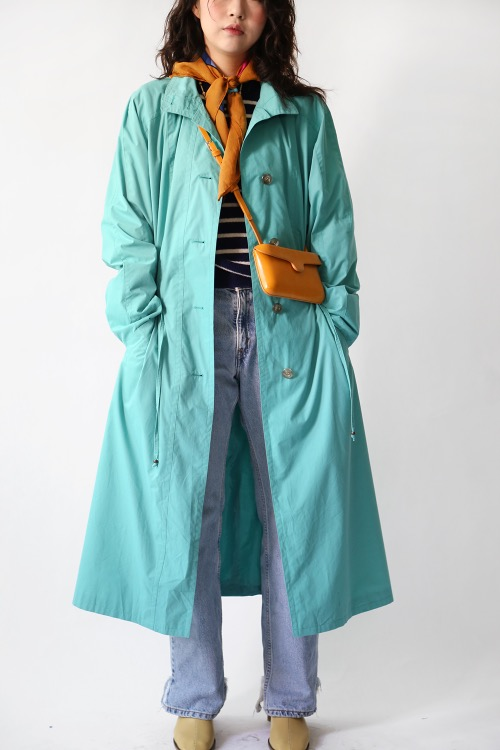 MINT OVERFIT TRENCH COAT