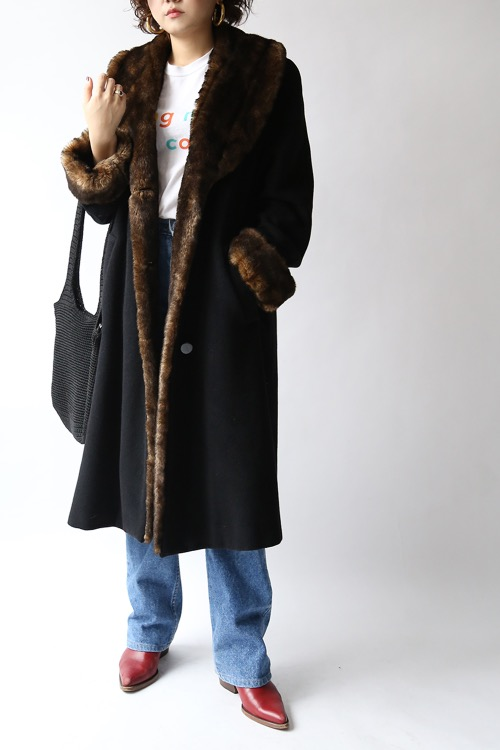 1970'S BLACK FAUX FUR COAT