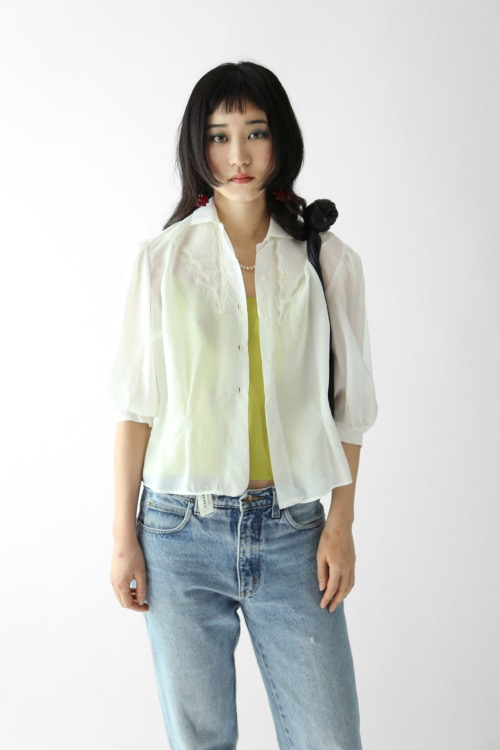 WHITE NYLON LACE BLOUSE